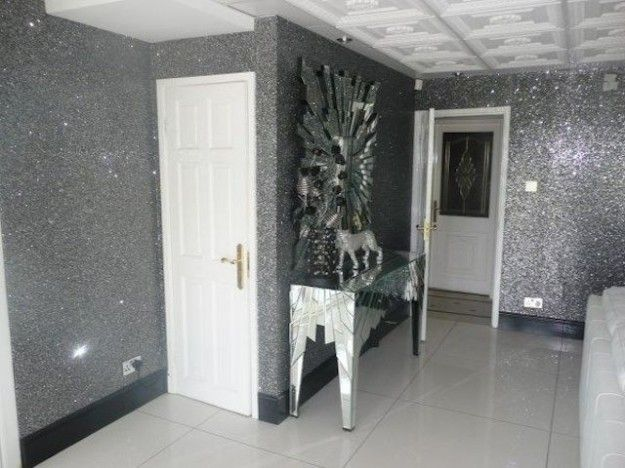 Pareti effetto glitter per la tua casa le idee pi for Parete bianca con glitter argento