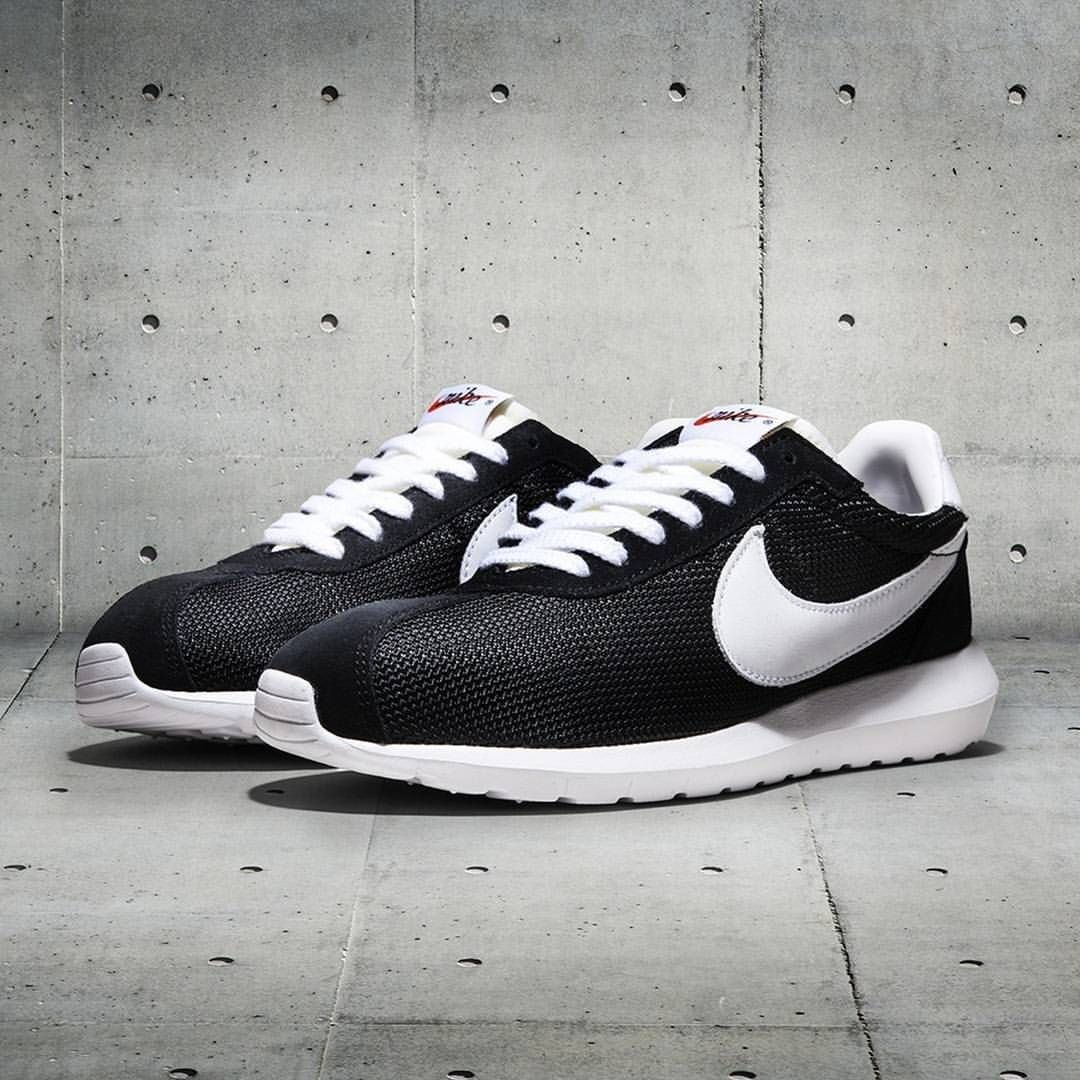 Instagram post by FOOTASYLUM • Oct 11, 2015 at 4:01pm UTC. Nike Roshe ...