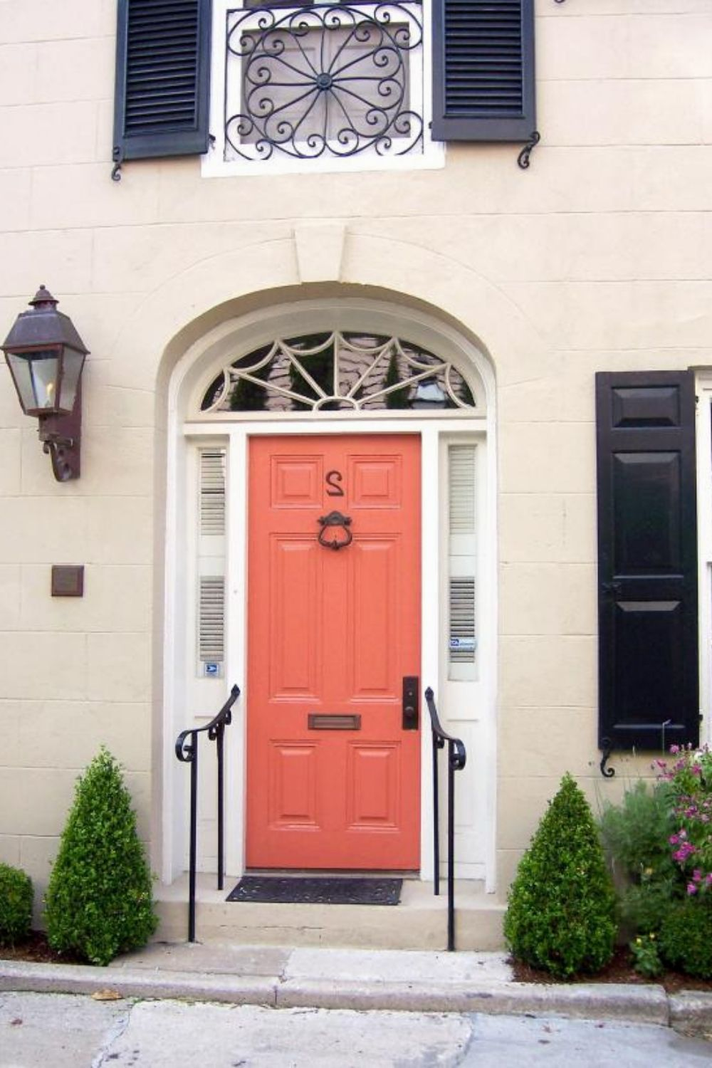 Modern Iron Doors Ideas to Make Your Entrance Look ...