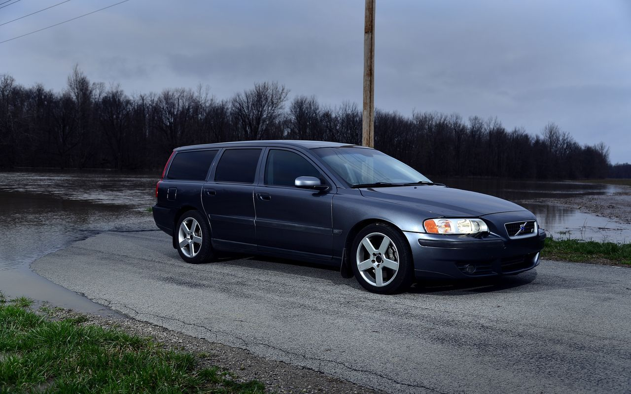 Price drop 2004 ohio titanium gray with nordkap interior 6 speed manual new front struts spring seats ipd hd end links etc everything down to new bolts and