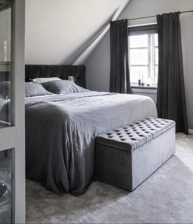 Pin By Kara Esler On Bedroom Slanted Ceiling Bedroom Attic Bedroom Ideas Angled Ceilings Upstairs Bedroom