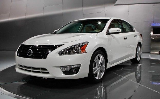 All New 2013 Nissan Altima In Dealers This Summer Starts At 22 280 Nissan Nissan Altima Nissan Cars