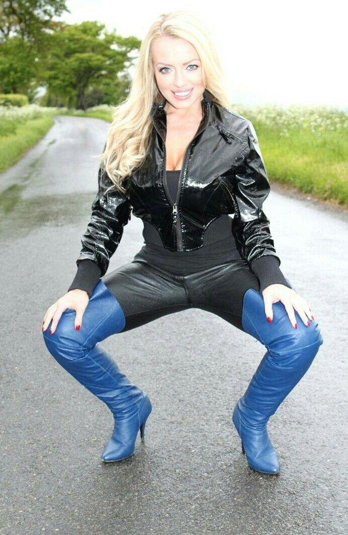 heiße Frau mit schönen blauen Overknees | Overknee stiefel