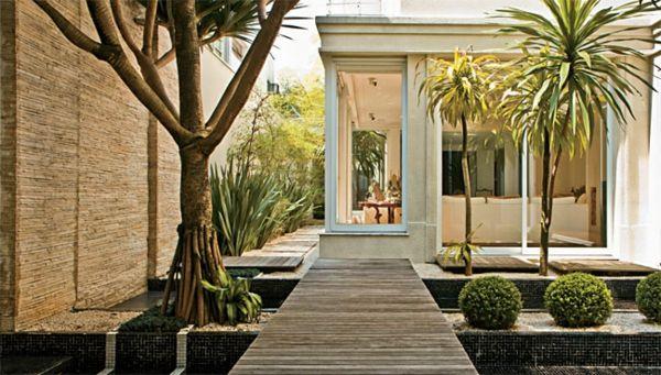 gartengestaltungsideen - wunderbarer innenhof mit wasserspiegeln, Gartenarbeit ideen