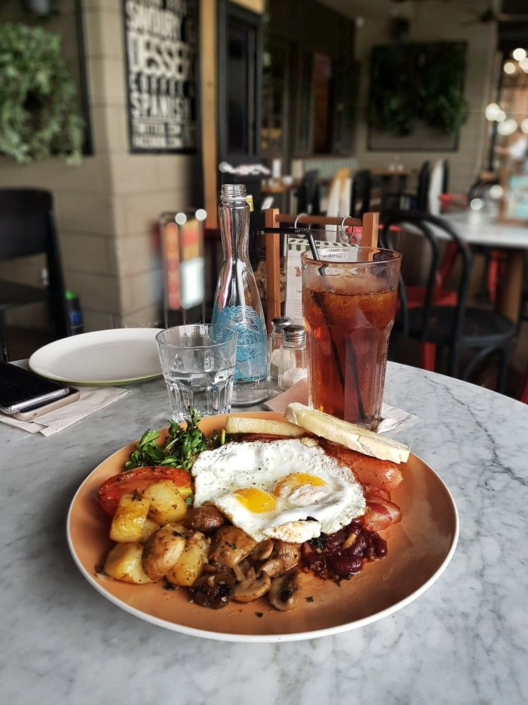 """Big Breakfast"""", Jakarta"""