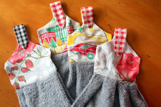 Suburban Jubilee: Hand Towels For Christmas