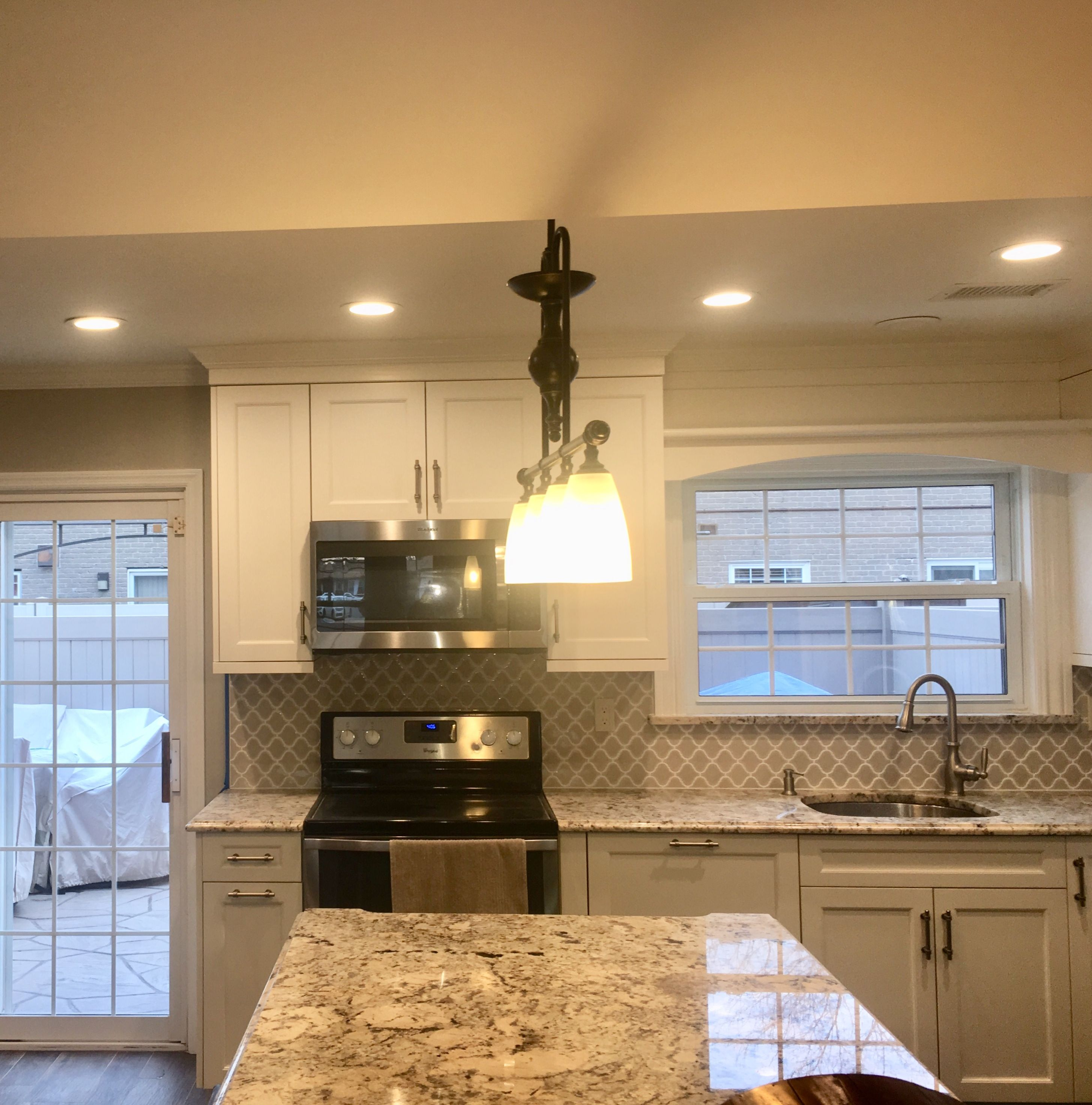 Walls Regal Select Eggshell Hc 172 Revere Pewter Stain Old Masters Espresso Ceiling Regal Flat Custom Color To Beautiful Kitchens Cabinet Trim Kitchen