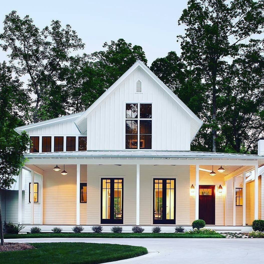 This Without Pitched Roof Add Wrap Around Porch And More Lawn White Farmhouse Exterior Modern Farmhouse Exterior House Exterior