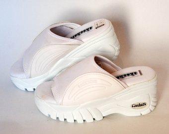 Skechers platform slippers japanese