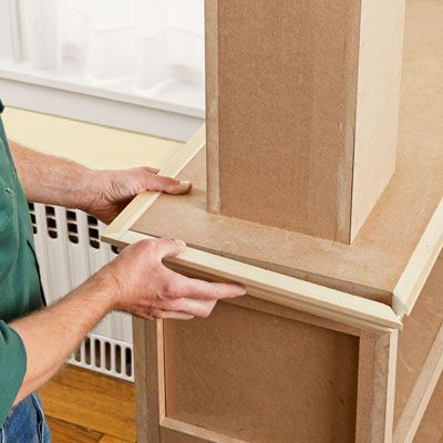Lining The Columned Room Divider With Crown Molding