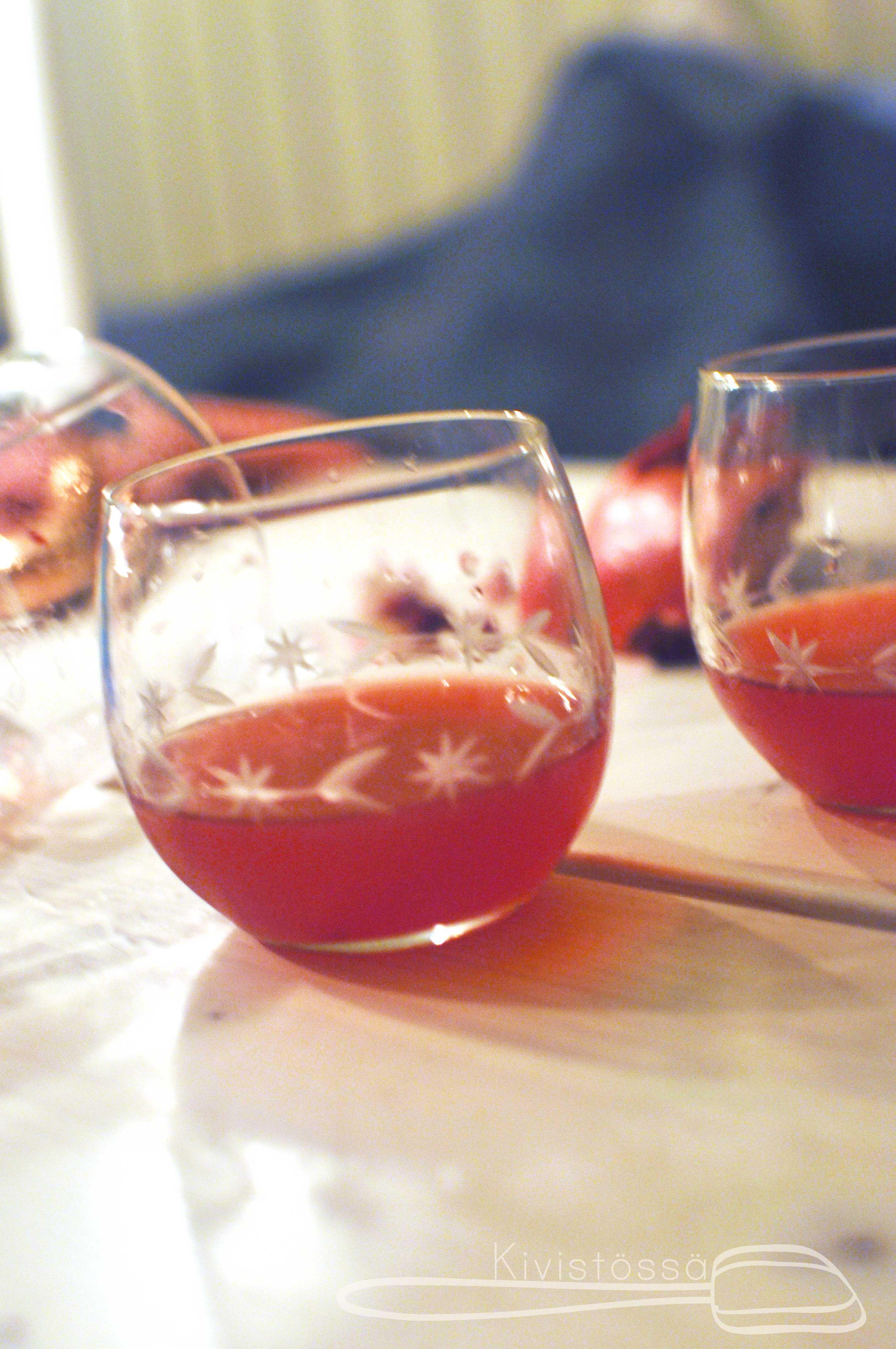 Pomegranate martini for christmas - Kivistössä foodblog