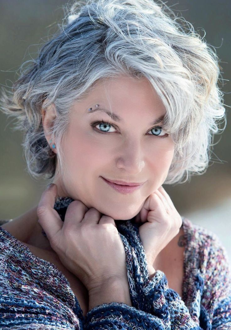 Femme 50 ans Naturally White Silver Grey Hair Beauté