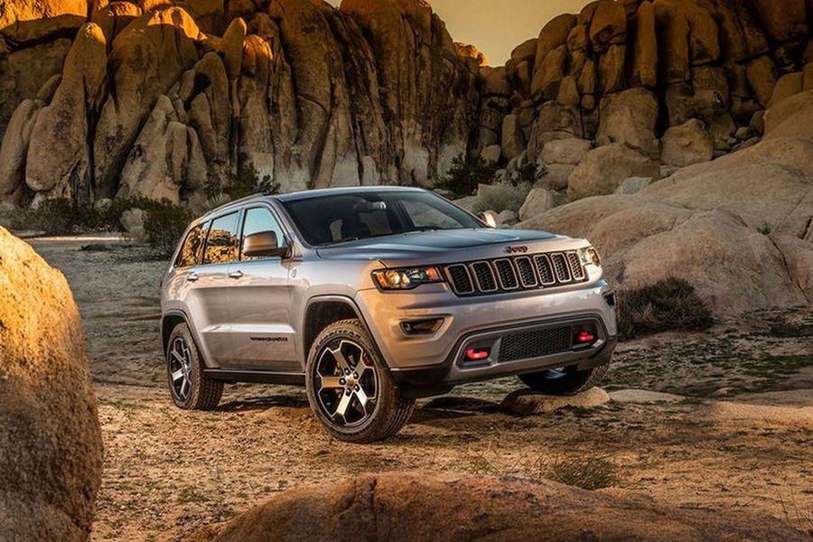 Jeep Grand Cherokee Trailhawk In New York Jeep Grand Cherokee Auto Motor Sport Autos