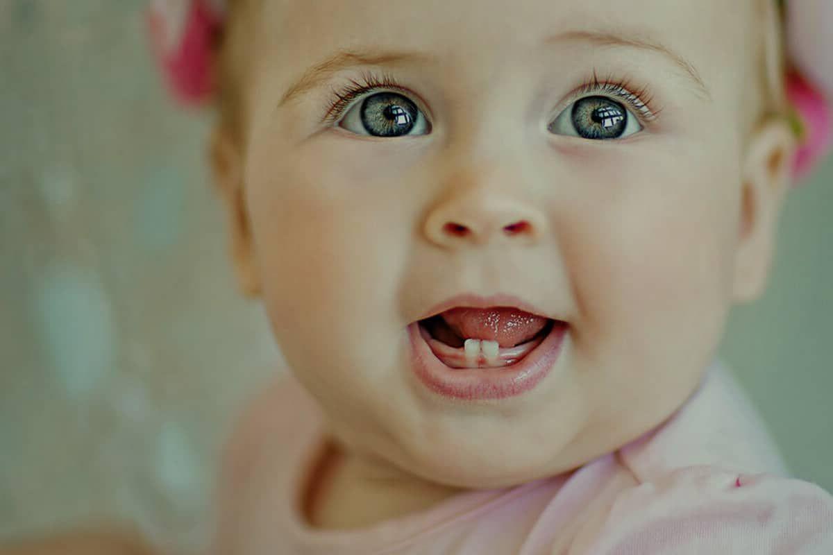 جدول التسنين عند الاطفال وعلاماته Baby Face Face