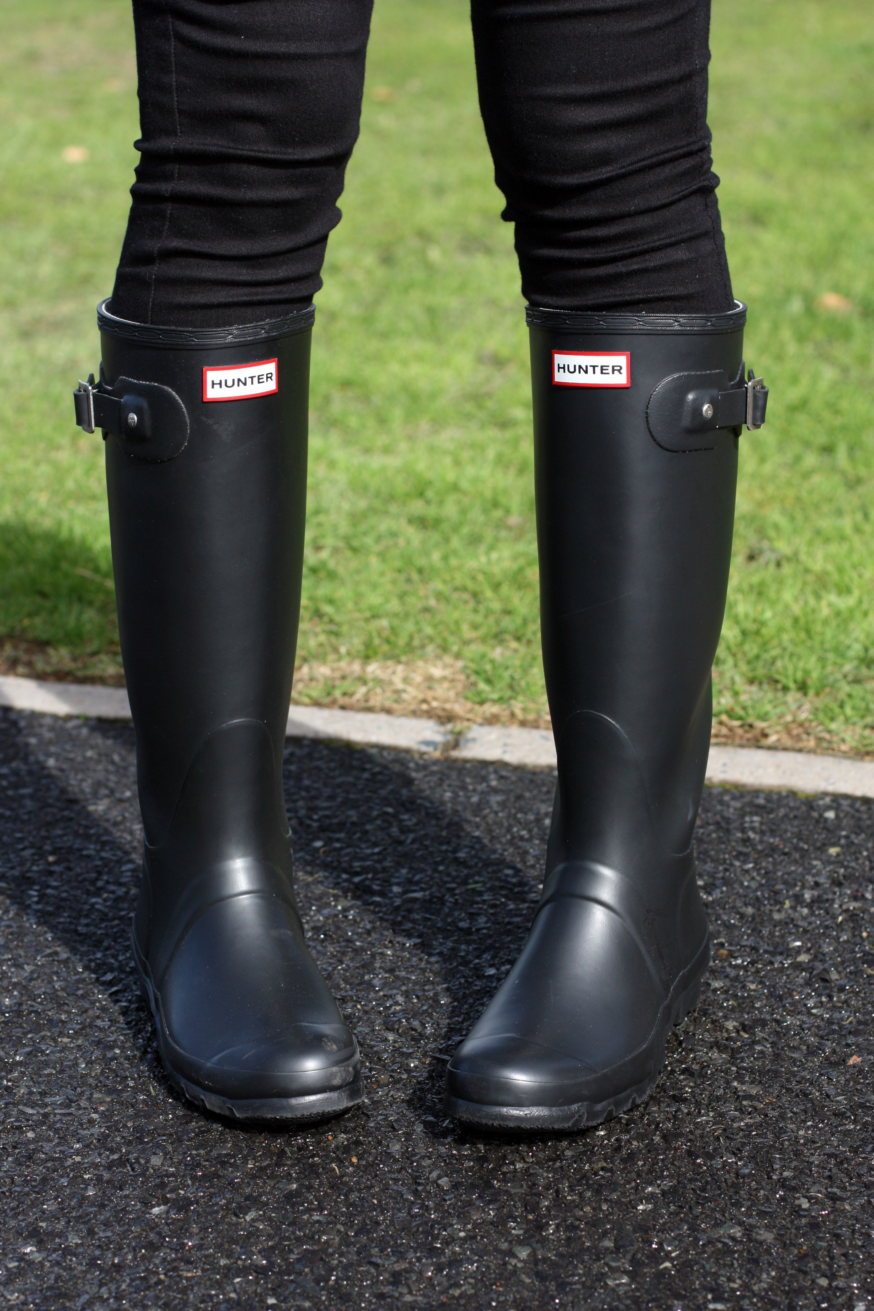 882a907552c1 Seeing stripes . hunter wellington boots . winter outfit ...