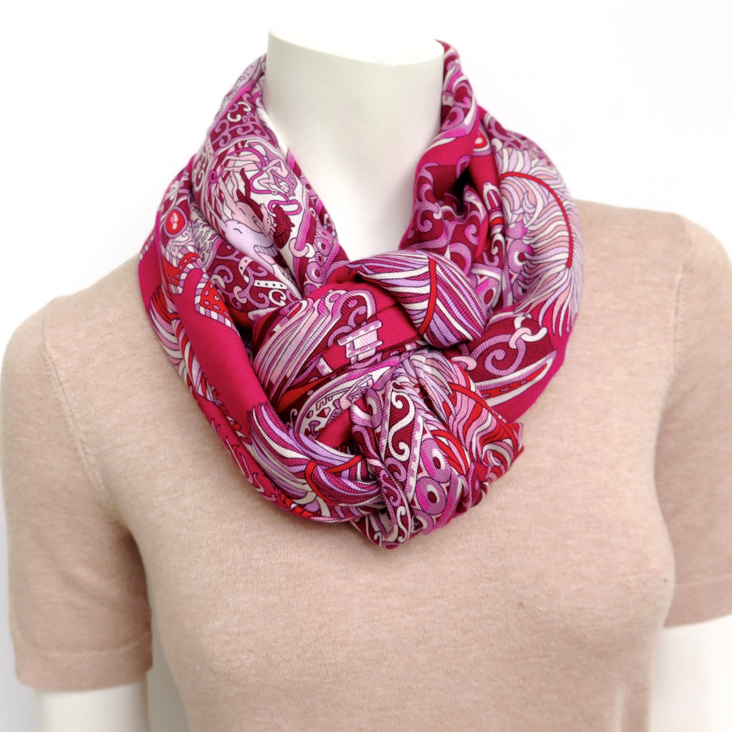 Heart knot in 2020 Heart knot, Scarf, Cashmere shawl