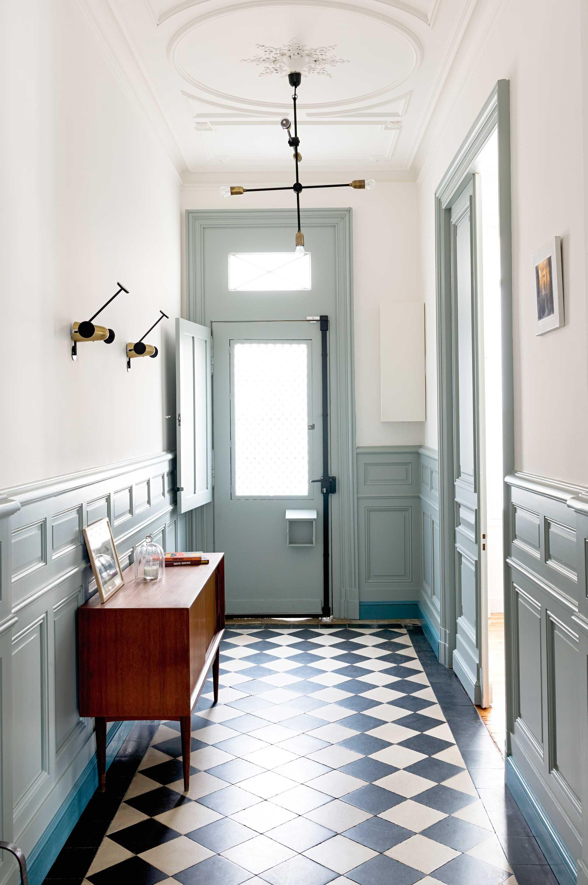 Blue Gray Molding in an Entryway with
