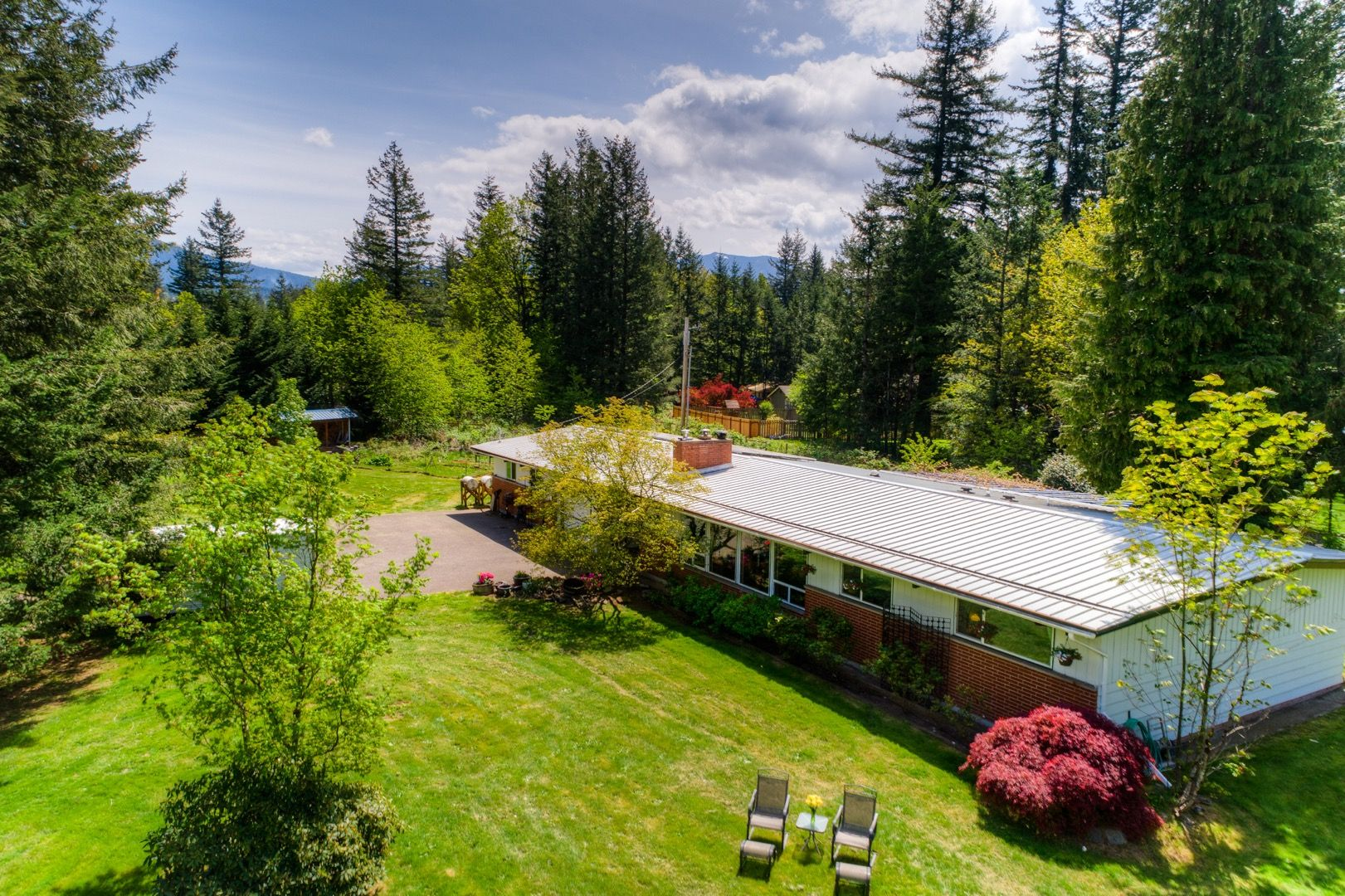 3640sf home on fully fenced 115 acres wawesome mountain