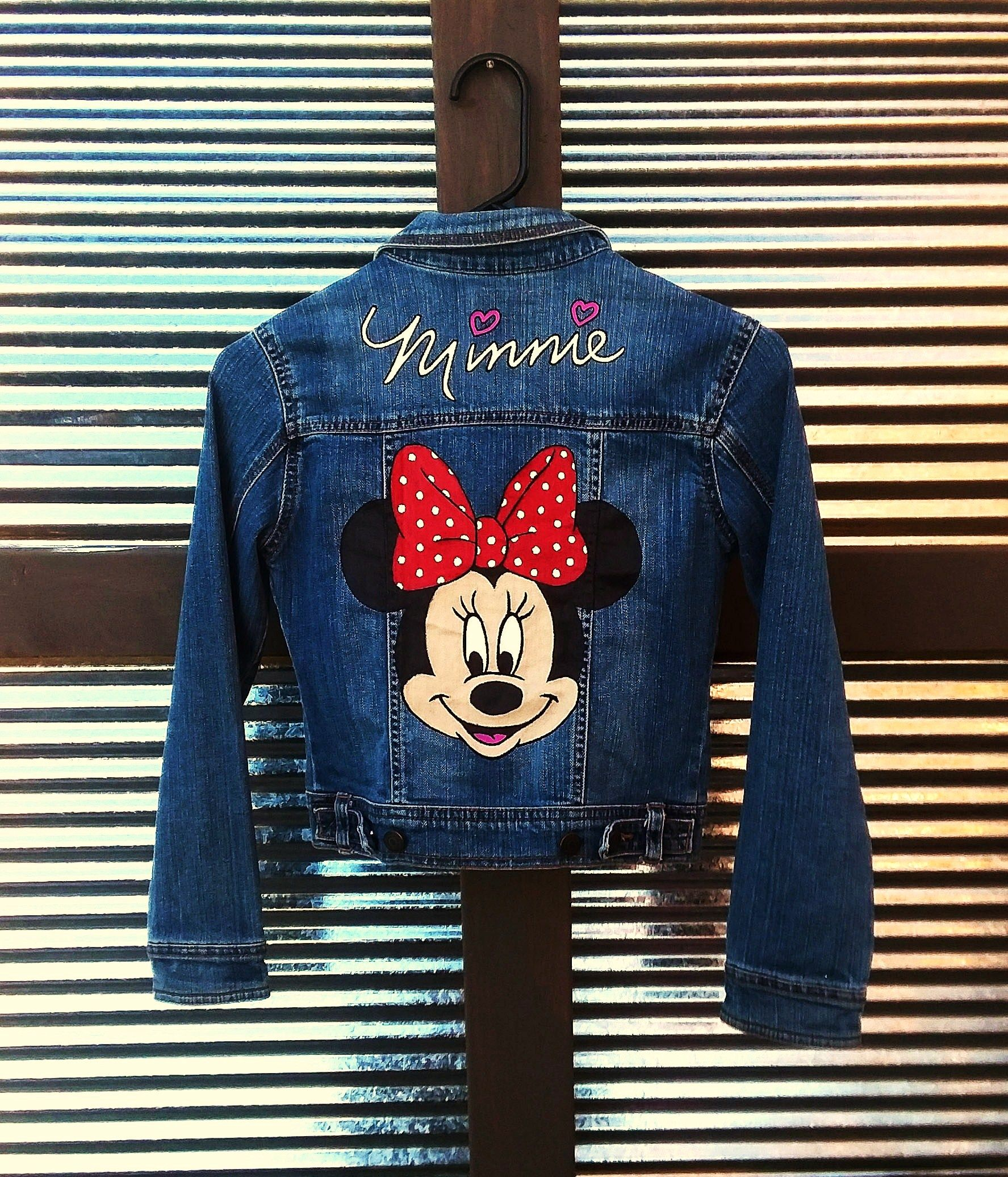 Hand Painted Disney S Minnie Mouse On A Girls Denim Jean Jacket By Bleudoor On Instagram Chaquetas De Mezclilla Arte Con Mezclilla Chamarra Con Bordados [ 2072 x 1775 Pixel ]
