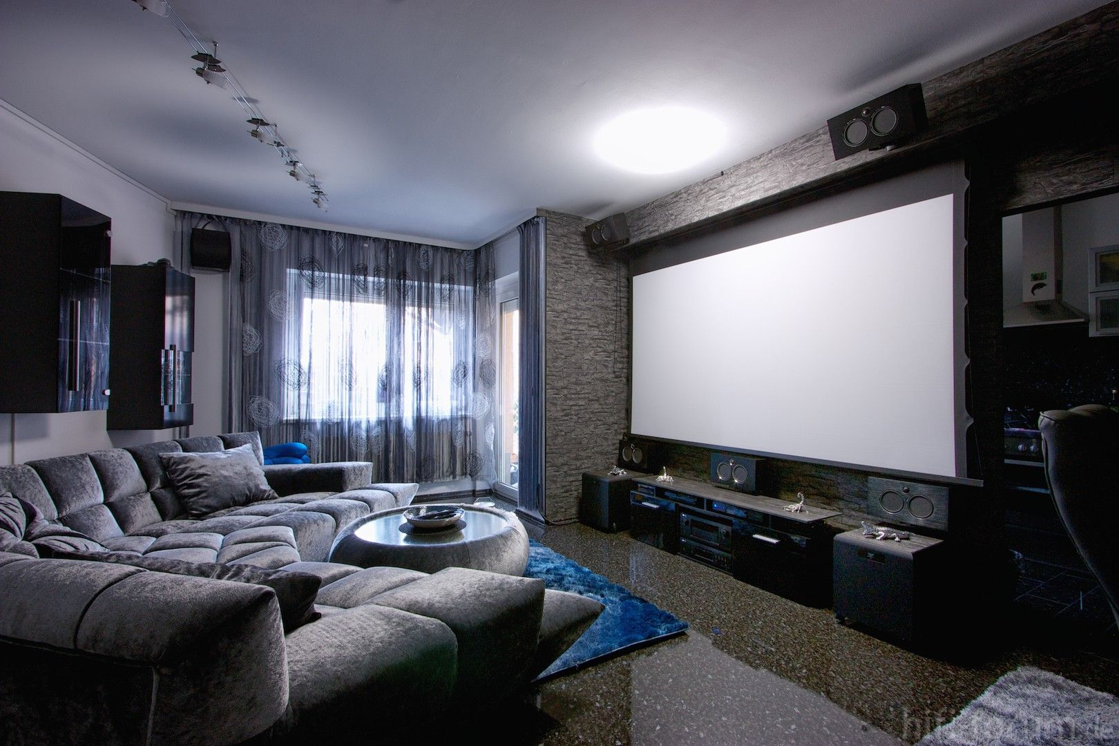 Living Room Theatre Boca In 2020 Living Room Theaters Living