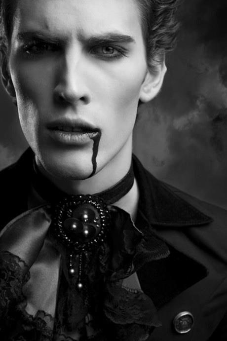 Benim Gozumden Vampirler Alemi Kitab I Sevda Vampire ComicVampire BooksVampire LoveGothic VampireMale