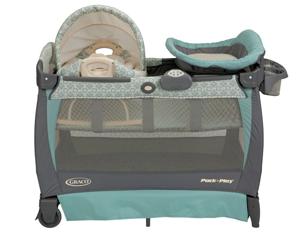 042c97c9818 Graco Pack n Play Playard with Cuddle Cove Rocking Seat Winslet Bassinet  Vibrate  Graco