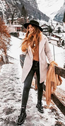 28 Lovely Women Winter Outfits Ideas Enjoy The Snow This Year