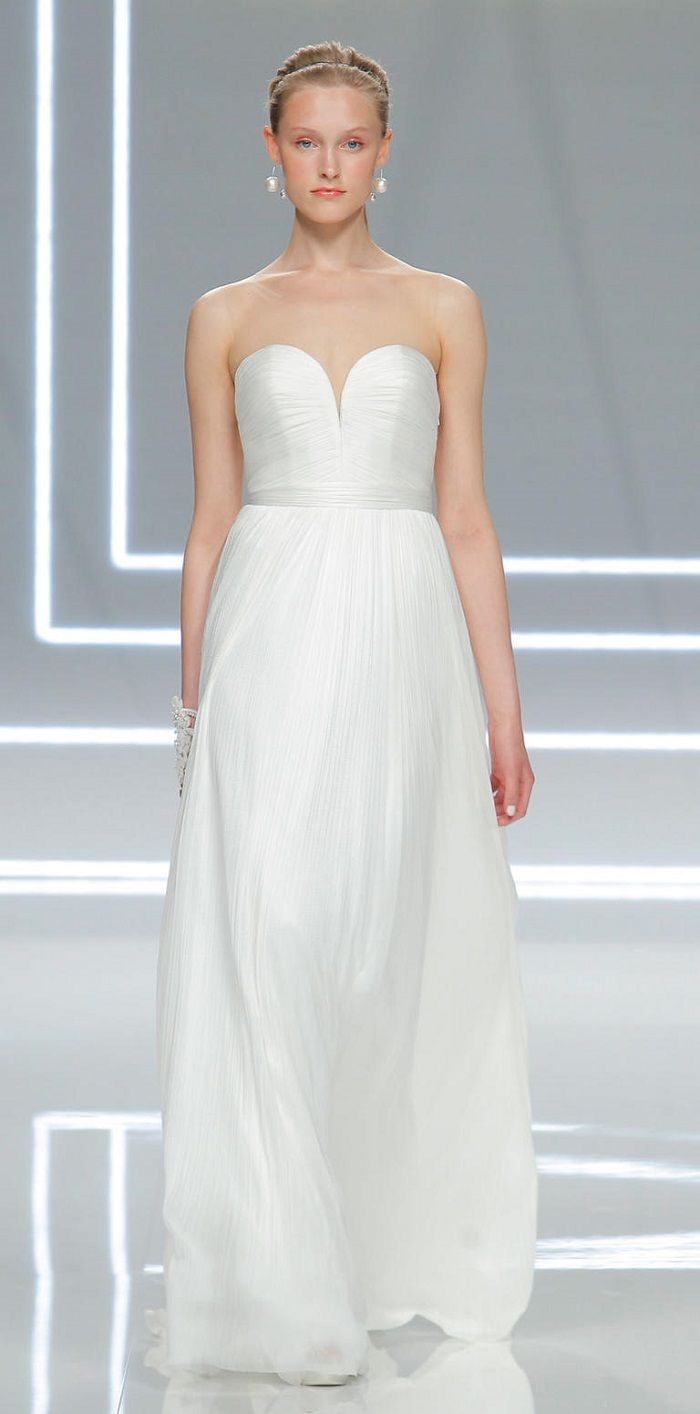 Rosa Clara Spring 2017 Wedding Dresses | sweetheart wedding dress | itakeyou.co.uk #weddingdress