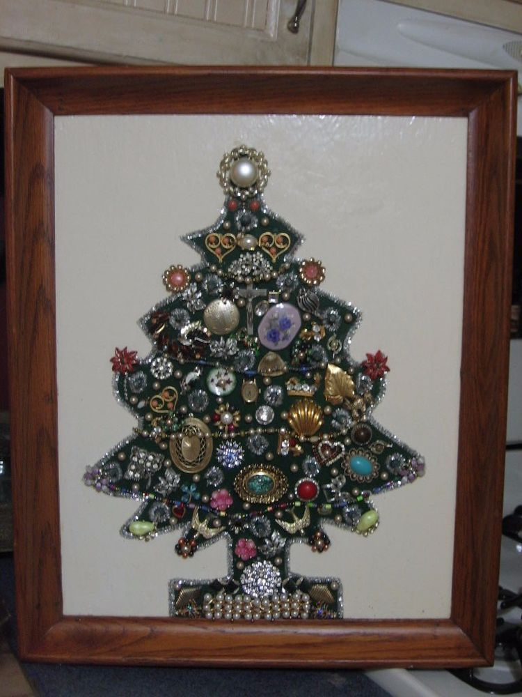 VINTAGE JEWELRY ART CHRISTMAS TREE LIGHTED COLLAGE RHINESTONES 22x18