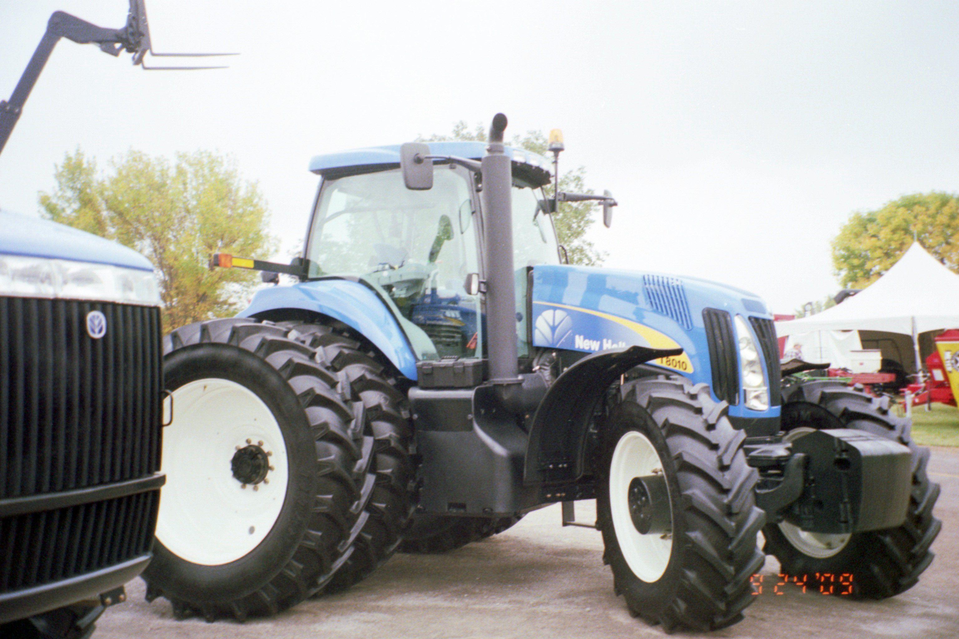 c6f06ad2cc3e New Holland T8010 row crop tractor New Holland, Tractors, Farming, Tractor  Pulling