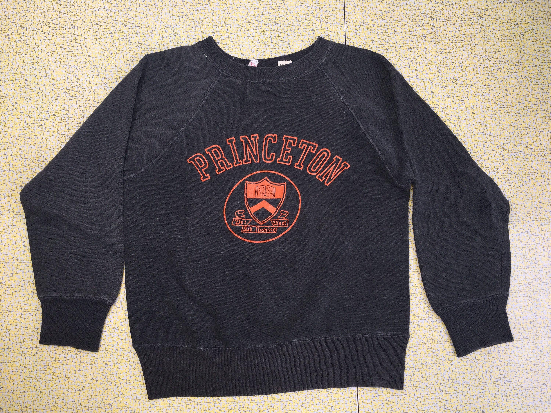 Princeton 60s Sweater Vintage Sweatshirt Ivy League University College School Unlimited New Jersey Tigers Rare Iconic Dei Viget Sub Numinel Vintage Sweatshirt Vintage College Sweatshirts Sweatshirts [ 2250 x 3000 Pixel ]