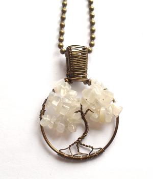 Tree of life pendant with moonstone. Livets träd halsband med månsten från http://ladyofthelake.se