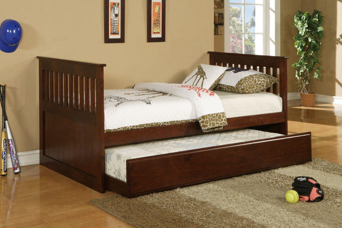 kids trundle beds kids trundle beds simple giraffe design