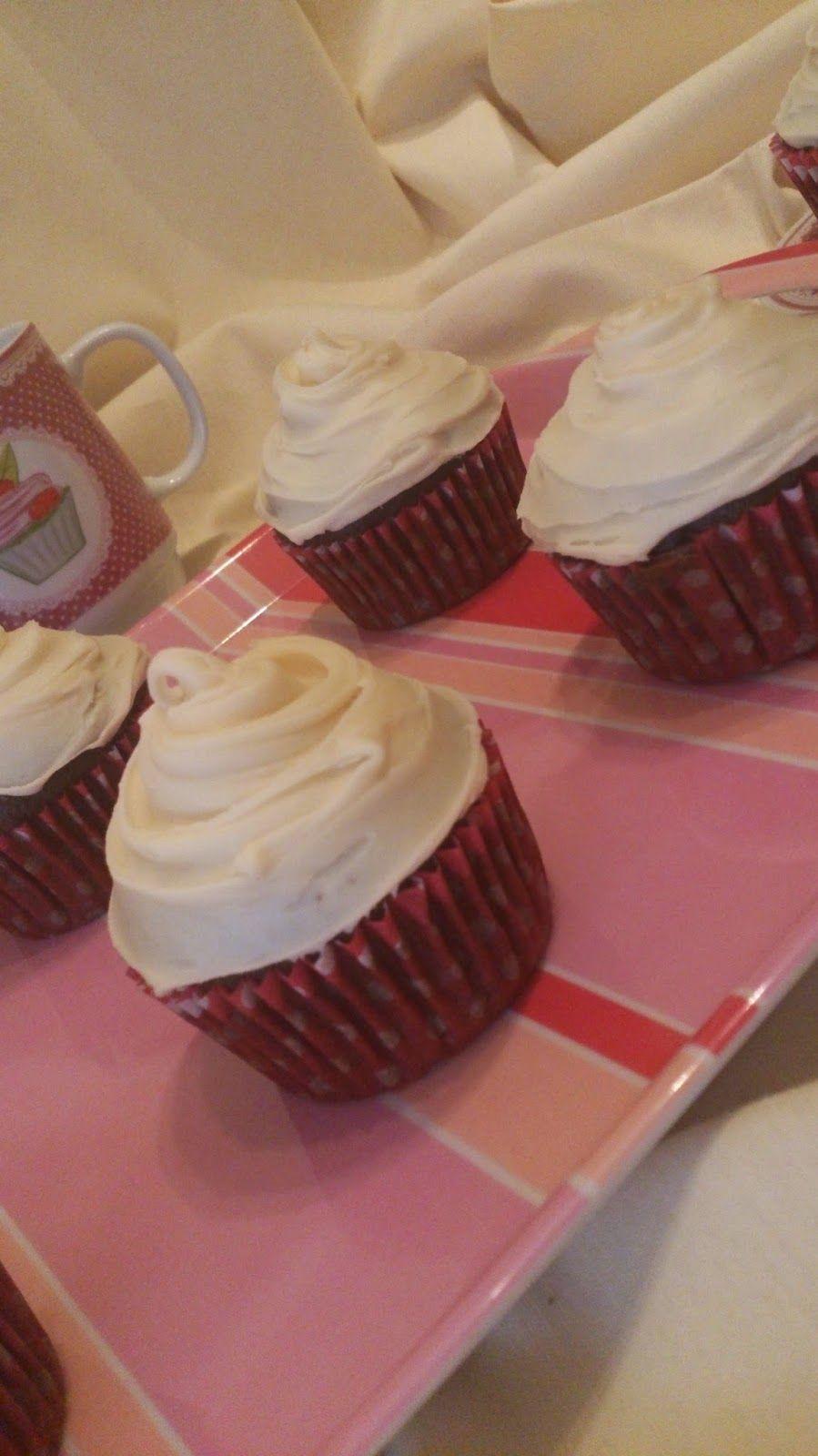 Los dulces secretos de Cuca: Cupcakes de chocolate y vainilla
