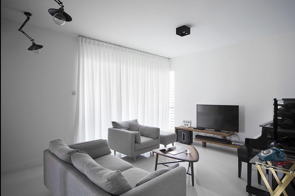 A Clean And Crisp Minimalist Living Room