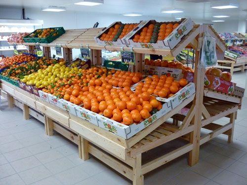 Ce pr sentoir en bois est utilis en mural ou en il t pour - Presentoir fruits et legumes ...