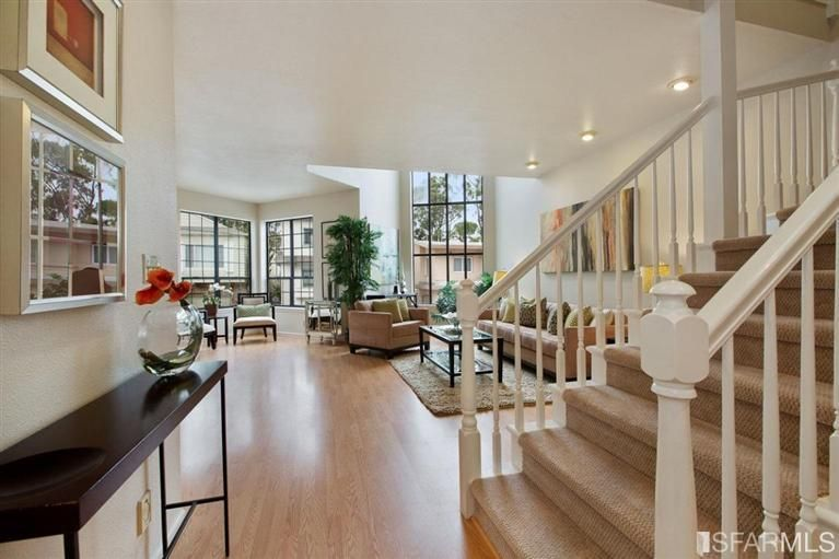 San Francisco buyers starting to think twice on high asking prices. Read more at:  ow.ly/G0QJv