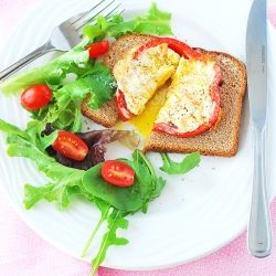 Bell pepper egg-in-a-hole. A light and healthy version of the traditional egg-in-a-hole. Perfect breakfast or brunch.