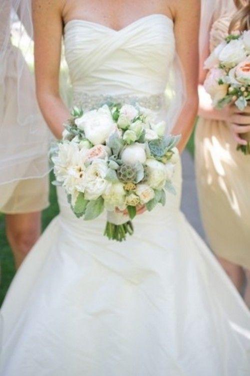 VERONA BRIDE AND BRIDESMAID'S FLOWERS IDEAS