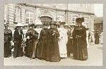 Kvindeoptog Amalienborg, 1915. Bajer og Luplau.