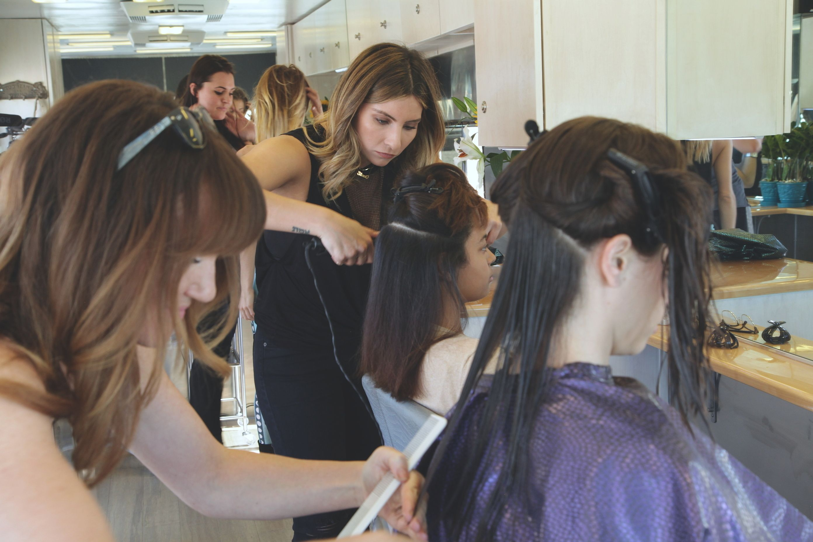 Home Page Style Movement Mobile Hair Salon Hair Salon Beach Beauty