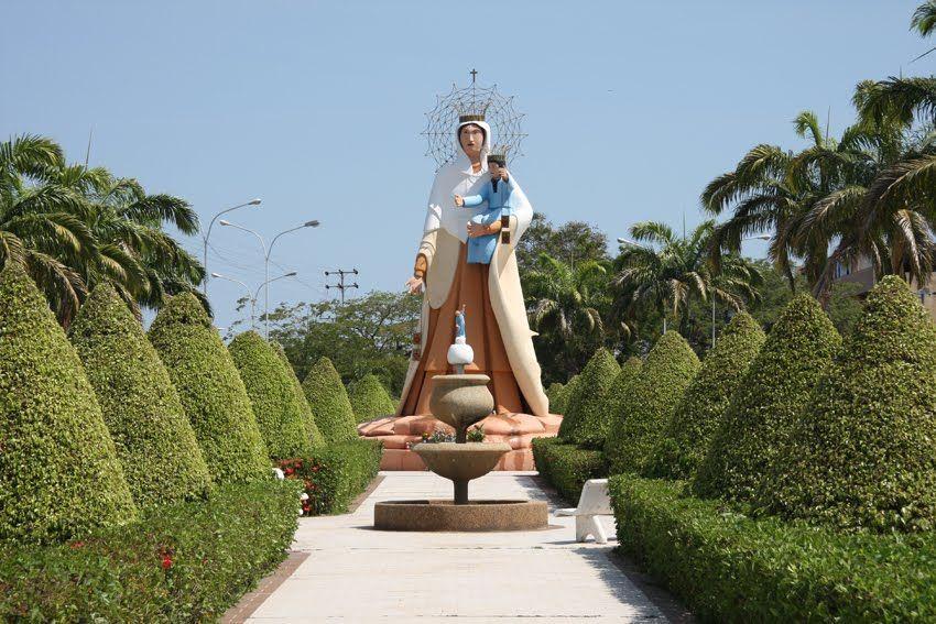 MIRANDA, municipio Brión. Higuerote. Plazoleta de la Virgen del Carmen.