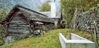 Tento 200-ročný kamenný dom vyzerá ako ruina. Nahliadnite ale dnu!