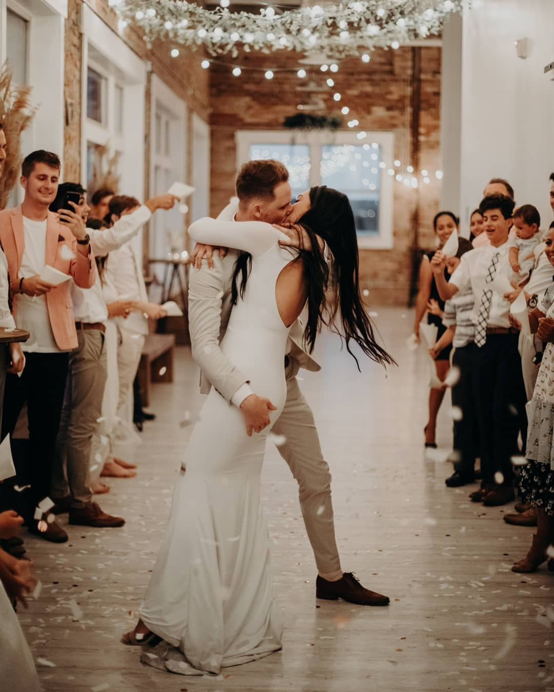 Junebug Weddings On Instagram We Re Just Groovin Our Way Into The Weekend Like Dalinnandcienna Junebug Weddings Fall Wedding Wedding Venues