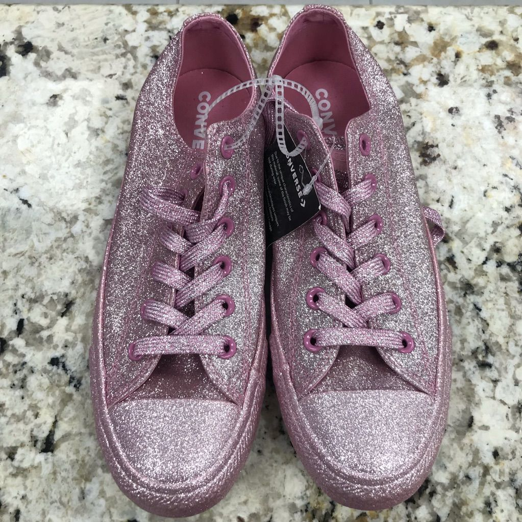 NWOB CONVERSE CHUCK TAYLOR ALL STAR IN GLITTER KNEE HIGH