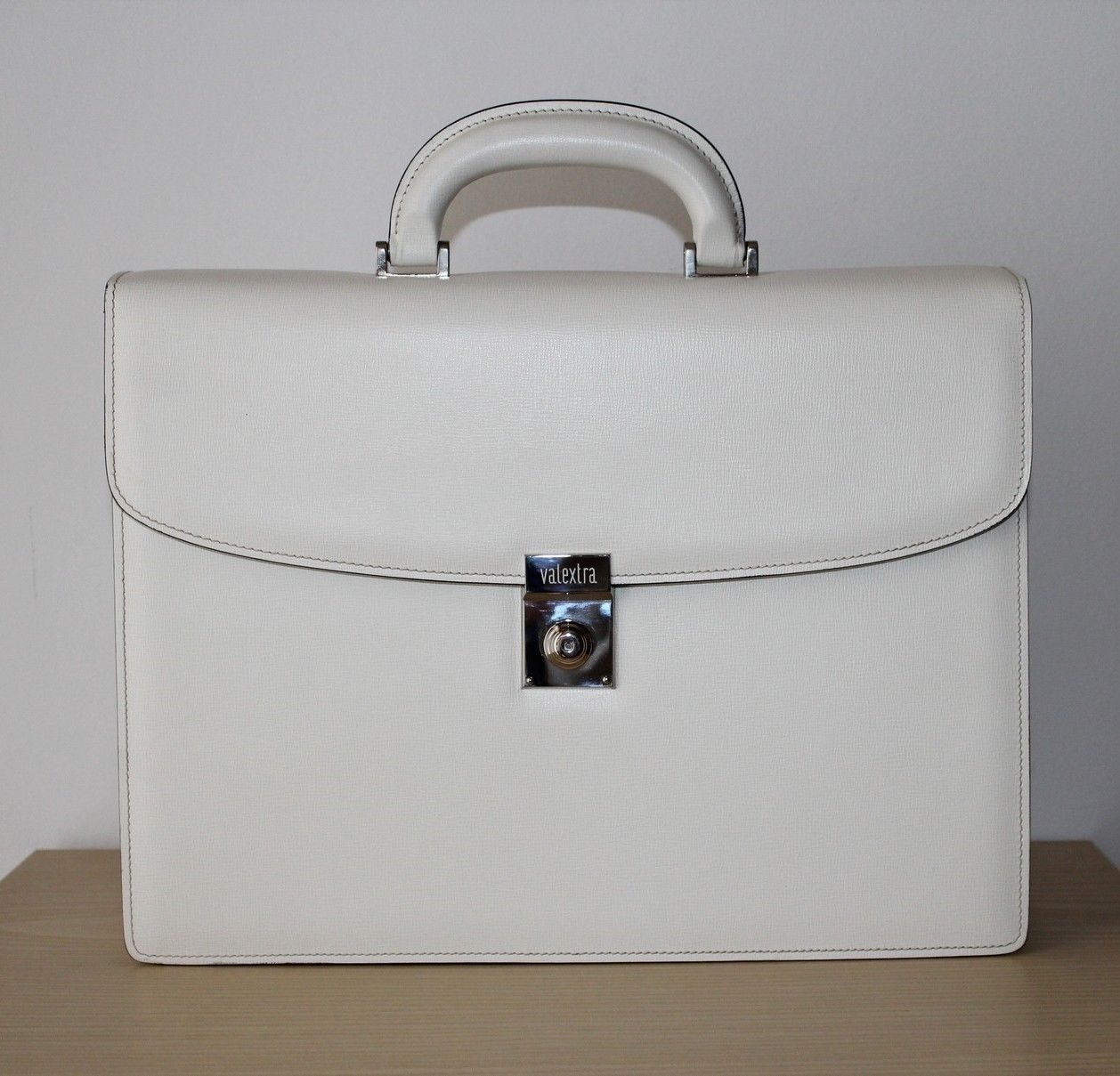 5c1b68c7557 Authentic Valextra classic double gusset briefcase hand made real leather  NEW