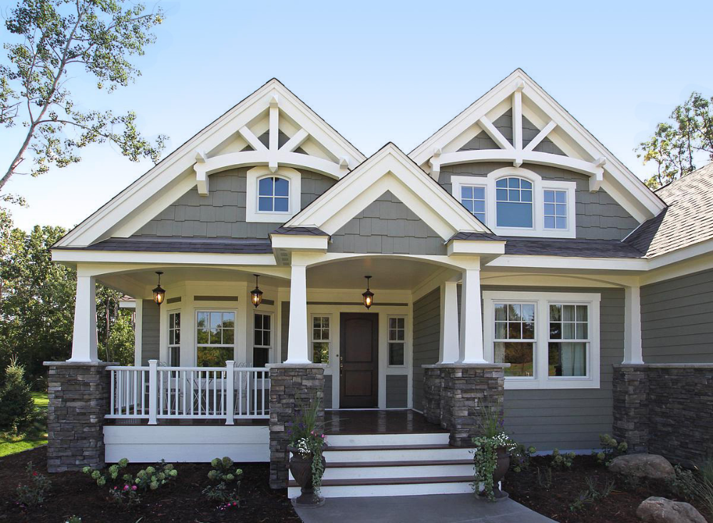 Stunning Craftsman Home Plan #sideporch