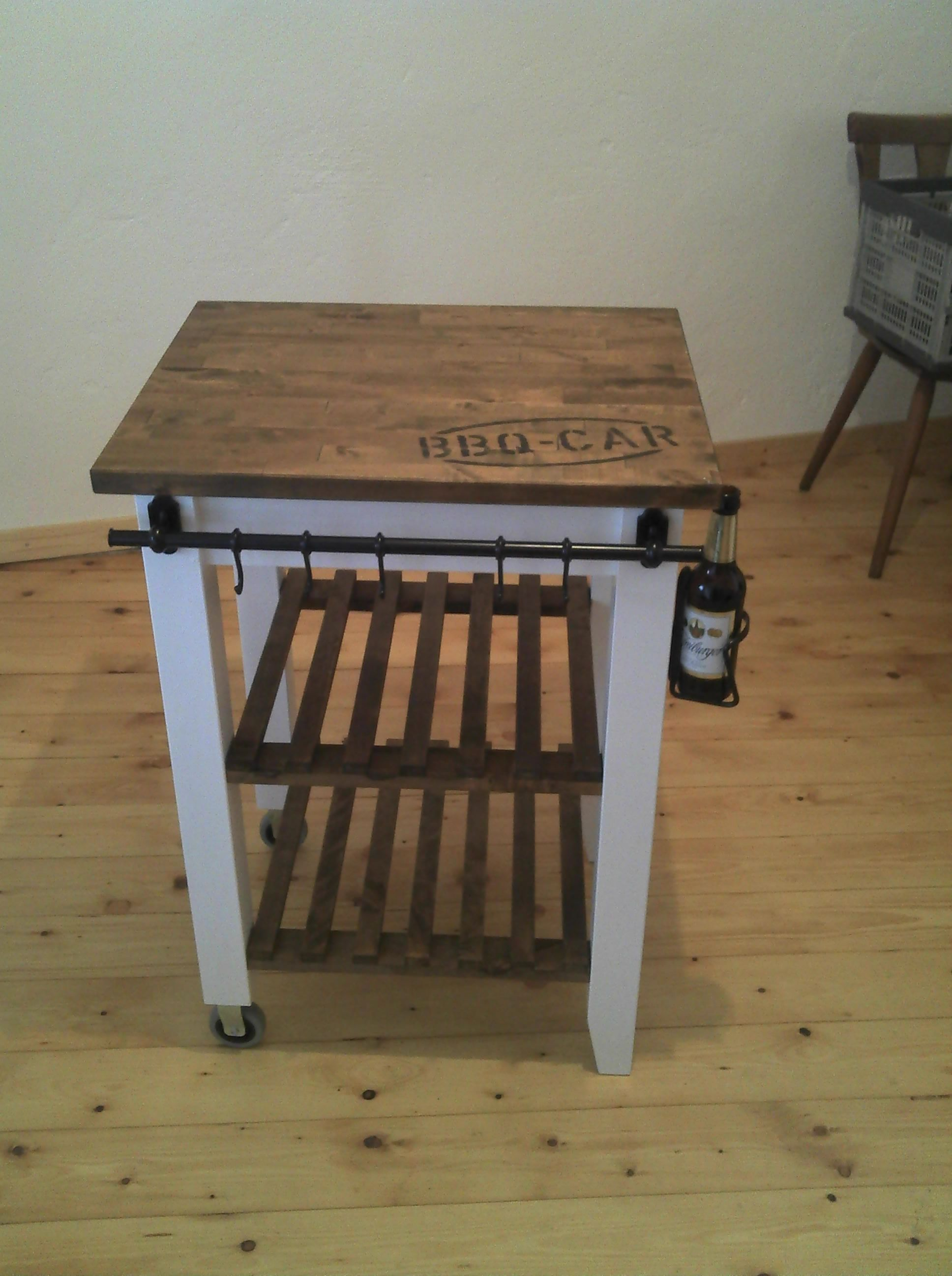 Grillwagen Oder Bbq Car Bauanleitung Zum Selber Bauen Ikea Kuchenideen Grill Beistelltisch Grilltisch