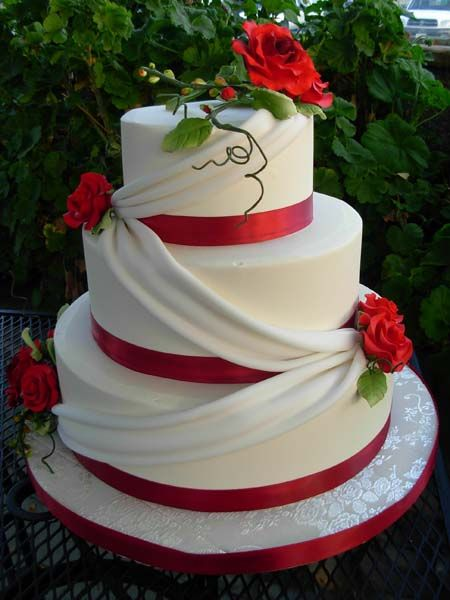 wedding cakes in red ribbon 05 red ribbon fondan 90005 wedding cakes 24756