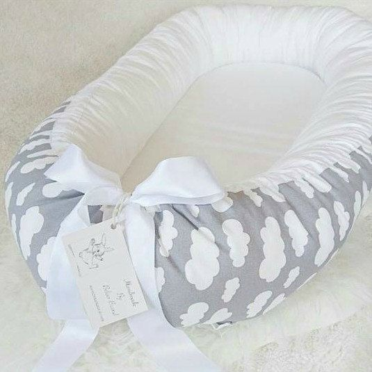 Grey white cloud satin ribbon baby nest baby - Baby jungenzimmer ...